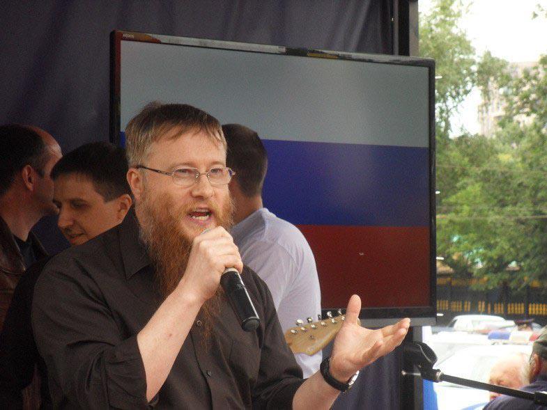 Стоим за Донбасс - митинг в поддержку Новороссии в Москве 11 июня 2014 года Суворовская площадь - Путин введи войска! Валерий Коровин